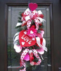 Valentine's+Day+Candy+Wreaths   Valentine Wreath Valentine's Day Door Wreath Candy Sweetheart ...