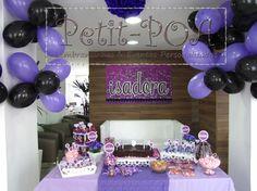 Mesa de doces     Painel Mesa de Doces      Balinhas de Acrílico com confetes      tags e docinhos      Centros de Mesa       Detalhes...