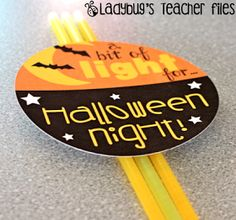 A bit of light for Halloween night.free printable tags to hand out with glowsticks Halloween Class Party, Halloween Activities, Halloween Season, Holiday Activities, Halloween Night, Halloween Gifts, Holidays Halloween, Happy Halloween, School Holidays