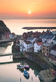 Sunrise Over Staithes Harbour Cottages - The North Yorkshire Gallery Yorkshire England, Yorkshire Dales, North Yorkshire, Places In England, Seaside Towns, English Countryside, Beautiful Landscapes, Places To See, Sunrise