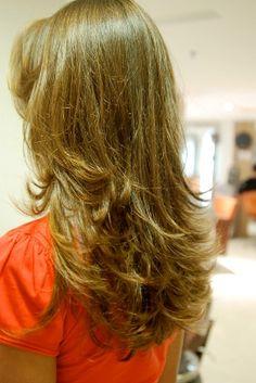 Confira um dos cortes maistradicionaispara cabelos longos:Corte Repicado em Camadas A grande maioria das mulheres possuem cabelos longos, e os motivos para que elas gostem de cabelos compridos são vários, um deles é na hora de realizar cortes nas madeixas, é bem mais fácil achar um corte que caia bem com uma mulher que possua […]