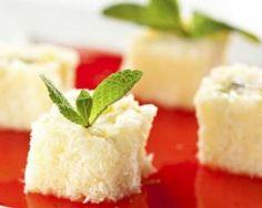 Maki sucrés à l'ananas et noix de coco : http://www.fourchette-et-bikini.fr/recettes/recettes-minceur/maki-sucres-lananas-et-noix-de-coco.html