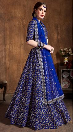 This Royal Blue Raw Silk Lehenga Choli has embroidery patch work. Zari And Sequins Heavy Embroidery Work can be customized up to size 42 only. Soft net dupatta comes with lehenga choli. Long Choli Lehenga, Heavy Lehenga, Raw Silk Lehenga, Indian Bridesmaids, Pink Silk, Indian Designer Wear, Wedding Wear, Blue Fabric, Indian Dresses
