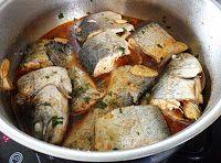 Truchas guisadas al estilo de León Mediterranean Recipes, Chicken, Spanish, Crock Pot, Traditional Kitchen, Cooking Recipes, Meals, Spanish Language, Spain