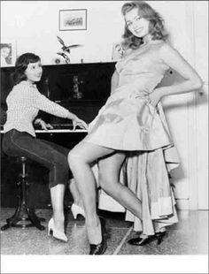 Sophia Loren with her sister, Maria