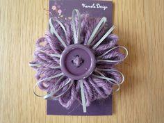 Maiskun Kirppis: Heijastin, violetti Loom, Handmade, Button, Hand Made, Fabric Frame, Buttons, Knot, Handarbeit