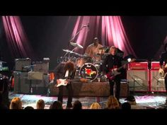 Tom Petty & the Heartbreakers - Love is A Long Road Soundstage [2003] - YouTube