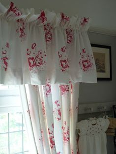 If I had to pick a flower as my most loved, I would not pick the Rose. Yet my home is full of Roses. Red Cottage, Shabby Chic Cottage, Cozy Cottage, Cottage Style, Cottage Interiors, Red Interiors, Rose Clothing, Bedroom Red, French Country Decorating