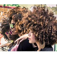 The Curly Connexion! @ahadinanne @_karolinefreitas_ (at www.kurleebelle.com) Protective Hairstyles For Natural Hair, Natural Afro Hairstyles, Twa Hairstyles, Black Girls Hairstyles, Hairdos, Curly Hair Styles, Natural Hair Styles, Afro Curls, Lee
