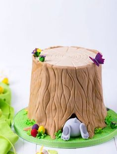 Fondant Cakes Kids, Cupcake Cakes, Bolo Halloween, Funny Easter Bunny, Decoration Chic, Dessert Sauces, Just Cakes, Pretty Cakes, Easter Recipes