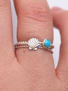 Tiny shell ring