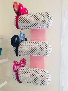 Wall Display for Minnie Ears-Triple Row Organizing Hair Accessories, Accessories Display, Diy Hair Accessories, Headband Storage, Diy Headband Holder, Disney Rooms, Earring Display, Disney Diy, Kids Bedroom