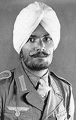 (E04) Legión Azad Hind: Orden de batalla del Batallón Azad Hindoustan en agosto 1942:  Compagnie Fucilieri (una compañía motorizada de fusileros), Compagnie Mitraglieri (una compañía motorizada de ametralladoras), Platone Paracadutisti (un pelotón de paracaidistas) y un Pelotón de Italianos Extranjeros.Sin embargo, a pesar de su esfuerzo en el entrenamiento de los indios, los italianos consideraban a las tropas indias de dudosa lealtad.