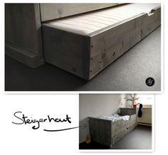 Junior bed van steigerhout.