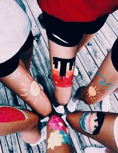 """Bold Body Painting Art Ideas To Try summcoco gives you inspiration for the women fashion trends you want. Thinking about a new looks or lifestyle? This is your ultimate resource to get the hottest trends.""""},""""created_at"""":""""Fri, 23 Aug 2019 Bff Pictures, Best Friend Pictures, Friend Photos, Family Pictures, Artsy Bilder, Pinterest Inspiration, Henne Tattoo, Leg Painting, Body Painting Girls"""