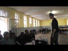 In diesem Video erzählt unser Freiwilliger Willi von seinen Erfahrungen im Menschenrechts-Projekt in Südafrika. Vor Ort bietet unser Büro kostenlose Rechtsberatung und leistet Aufklärungsarbeit. Mehr Infos unter: http://www.projects-abroad.de/ziellander/suedafrika/recht-in-suedafrika/