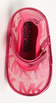 Love these #MichaelKors crib shoes http://rstyle.me/n/jt6sdnyg6