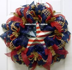 ORDER TODAY AND IT SHIPS TOMORROW This wreath was made on a deco mesh work form with navy blue deco mesh natural square jute poly jute waffle ribbon decorative star Rustic Wreaths, Deco Mesh Wreaths, Mesh Wreaths Summer, Summer Wreath, Burlap Wreaths, 4th Of July Wreaths, Deco Mesh Crafts, Yarn Wreaths, Floral Wreaths