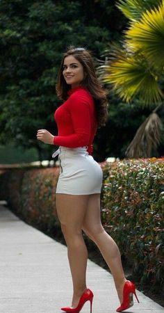 Thic and sexy! Tight Dresses, Sexy Dresses, Short Dresses, Sexy Outfits, Pernas Sexy, Mode Cool, Sexy Women, Vestidos Sexy, Sexy Legs And Heels