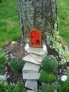 Mundo de magia coloca uma porta no tronco da árvore