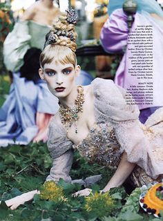 Another favourite shoot from Vogue Photography by Steven Meisel | 1996