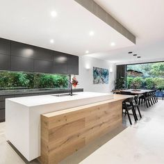 Kitchen Remodel Ideas - Browse our kitchen renovation gallery with traditional to modern to beachy kitchen design inspiration. Luxury Kitchen Design, Luxury Kitchens, Interior Design Kitchen, Cool Kitchens, Small Kitchens, Diy Interior, Dream Kitchens, Coastal Interior, Patio Interior