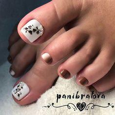 💞Здесь собраны самые лучшие идеи макияжа, причесок, маникюра!💞 👇👇👇 ↪ПОДПИШИСЬ!!↩ 💅@salonforlady 💋@salonforlady 💄@salonforlady By @panibratova Toenail Art Designs, Pedicure Designs, Pedicure Nail Art, Toe Nail Art, Mani Pedi, Pretty Toe Nails, Pretty Toes, Square Nail Designs, Square Nails