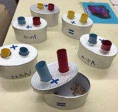 Hands on idea for teaching addition in your coassroom Montessori Activities, Kindergarten Math, Learning Activities, Preschool Activities, Teaching Addition, Math Addition, Teaching Aids, Teaching Math, Primary Maths