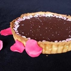 Chocolate and rose water tart to make your breakfast classy and elegant (link in bio)