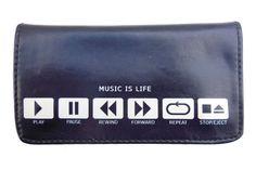 """Θήκη Καπνού Music Is LifeΚομψός σχεδιασμός και στυλ με την πρωτότυπη θήκη καπνού Tfar """"Music Is Life"""". Υψηλής ποιότητας δερματίνη, ανθεκτική για συχνή χρήση. Με δύο δυνατούς μαγνήτες για εύκολο κλείσιμο, ακόμα και όταν η καπνοθήκη είναι γεμάτη. Με οικολογική σαμπρέλα που προστατεύει τον καπνό από την υγρασία.Χαρακτηριστικά:Υψηλής ποιότητας δερματίνη PU.Οικολογική σαμπρέλα 4 χιλιοστών.Εξωτερική θήκη με φερμουάρ.Θήκη για χαρτάκια.Διαστάσεις: Ύψος: 7.5 cm Μήκος: 15 cm"""