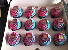 West ham cupcakes Birthday Cake For Him, 70th Birthday, Football Cakes, Blowing Bubbles, West Ham, Cakepops, Cup Cakes, Cake Ideas, 30th