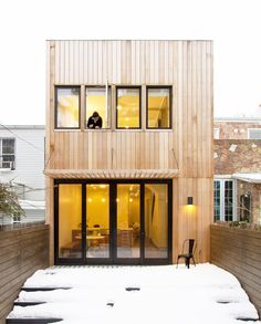 Office of Architecture were tasked with gutting and extensively renovating this 115 year old row house in Brooklyn. The building has the adaptability to house two separate families in the two units or alternatively a single family throughout the entire house. @aniketshahane Photography credit: Ben Anderson @benandersonphoto