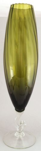 Tall-Green-Art-Glass-Spiral-Optic-Mid-Century-Vase-Clear-Foot-Fluted-Rim