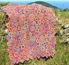 Ravelry: Kissing Circles Crochet Afghan/Blanket pattern by Amanda Perkins.like the pattern, not the colors Crochet Afghans, Crochet Blanket Patterns, Baby Blanket Crochet, Knitting Patterns, Crochet Blankets, Afghan Blanket, Pixel Crochet Blanket, Knitting Yarn, Crochet Baby