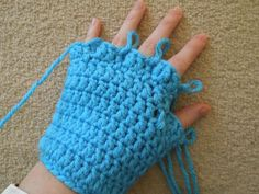 So let's get right to it!   This glove pattern is a great pattern to try for skiing or snowboarding, using the chunky/bulky yarn makes for ...