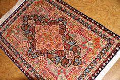 バラ模様のシルク玄関マット手織りペルシャ絨毯クム56083、ローズカーペット