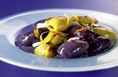 Aceitunas marinadas con vinagreta tibia