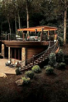 Fabulous deck/ outdoor space :)