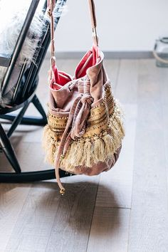 Love this boho bag. Hippie Chic, Boho Chic, Shabby Chic, My Bags, Purses And Bags, Baby Accessories, Fashion Accessories, Roses Tumblr, Fashion Bags