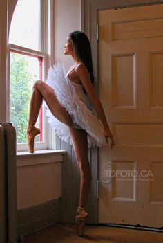 Tanya Howard - National Ballet of Canada Photo by Tarzan Dan TDFoto.ca