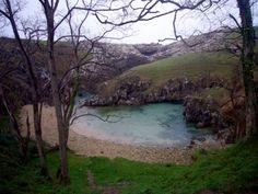 Buelnas, entrada del mar por el puente de piedra