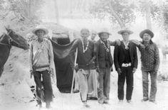 Medicine men of Navajo tribe :: 1880