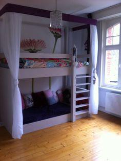 Hoogslaper/ stapelbed/ meisjeskamer/lola's bed