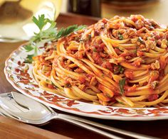 Linguine and Red Clam Sauce - FamilyCircle.com