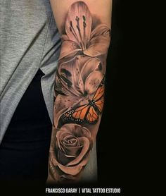 No butterfly but is cool having that one pop of color girly tattoos, pretty tattoos Hai Tattoos, Bild Tattoos, Rose Tattoos, Body Art Tattoos, Tatoos, Lily Flower Tattoos, Color Tattoos, Small Tattoos, Pretty Tattoos