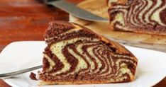 Everybody is familiar with this zebra cake with chocolate and vanilla. Still a bit warm, along a cold cup of milk, zebra cake always makes a delicious treat. Other Recipes, My Recipes, Dessert Recipes, Desserts, Recipes Dinner, Dinner Ideas, Healthy Recipes, Chocolate And Vanilla Cake, Chocolate Cream Cheese