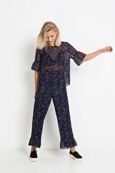 c70ca9ae62a8 138 Best Set images | Basic leggings, Fashion online, Latest fashion ...