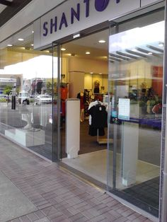 We service, install and supply all types of commercial auto doors
