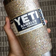 Can't get enough of how much this glitter SPARKLES ✨✨✨ It's magical & dreamy & keeps my coffee hot and my iced tea cold for HOURS! I've always been a mug kinda girl, and I've always been a glitter kind of girl... but ever since these glitter creations showed up in my life, I'm officially a glitter YETI kinda girl 😋 (this color is Champagne. My YETIS are sealed so that they are super smooth like glass and don't shed any glitter ever!)