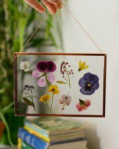 Coup de coeur déco : Les fleurs séchées, toutes les idées à adopter ou à reproduire soi-même ! #aufeminin #DIY #fleurs #fleursséchées #bouquet #idéedéco #cadre
